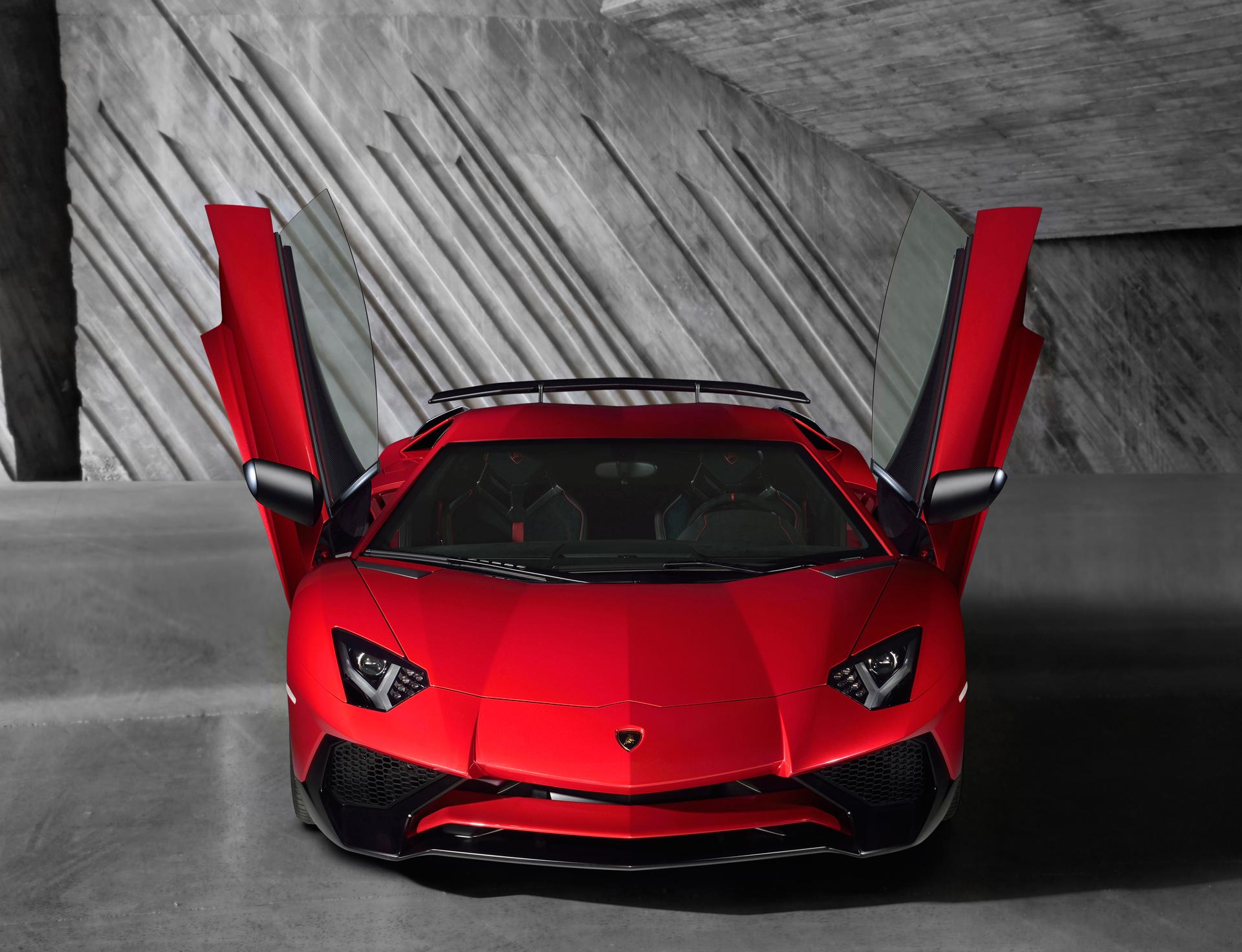 Lamborghini LP750-4 Superveloce - avant avec portes
