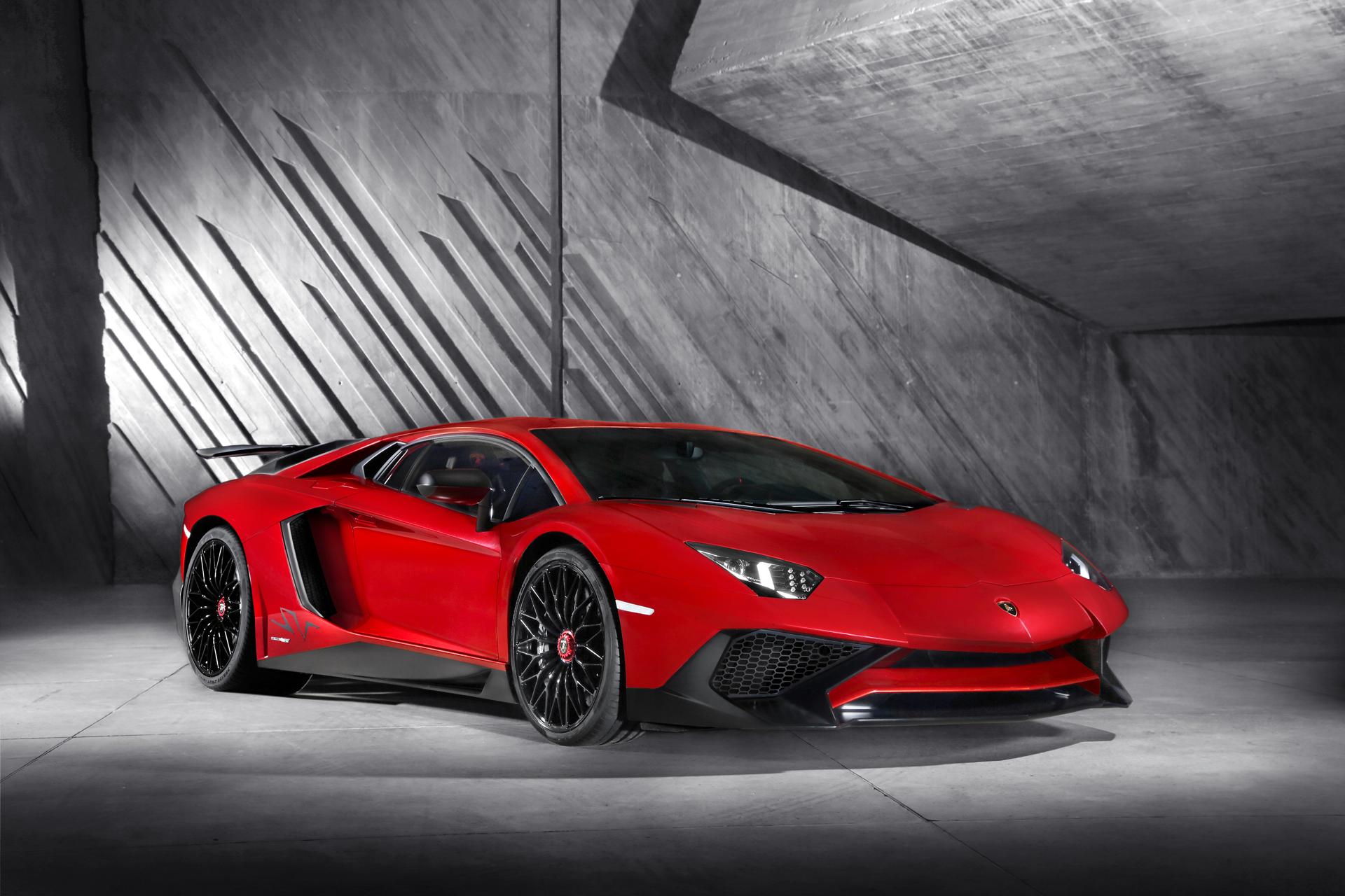 Lamborghini LP750-4 Superveloce - profil avant