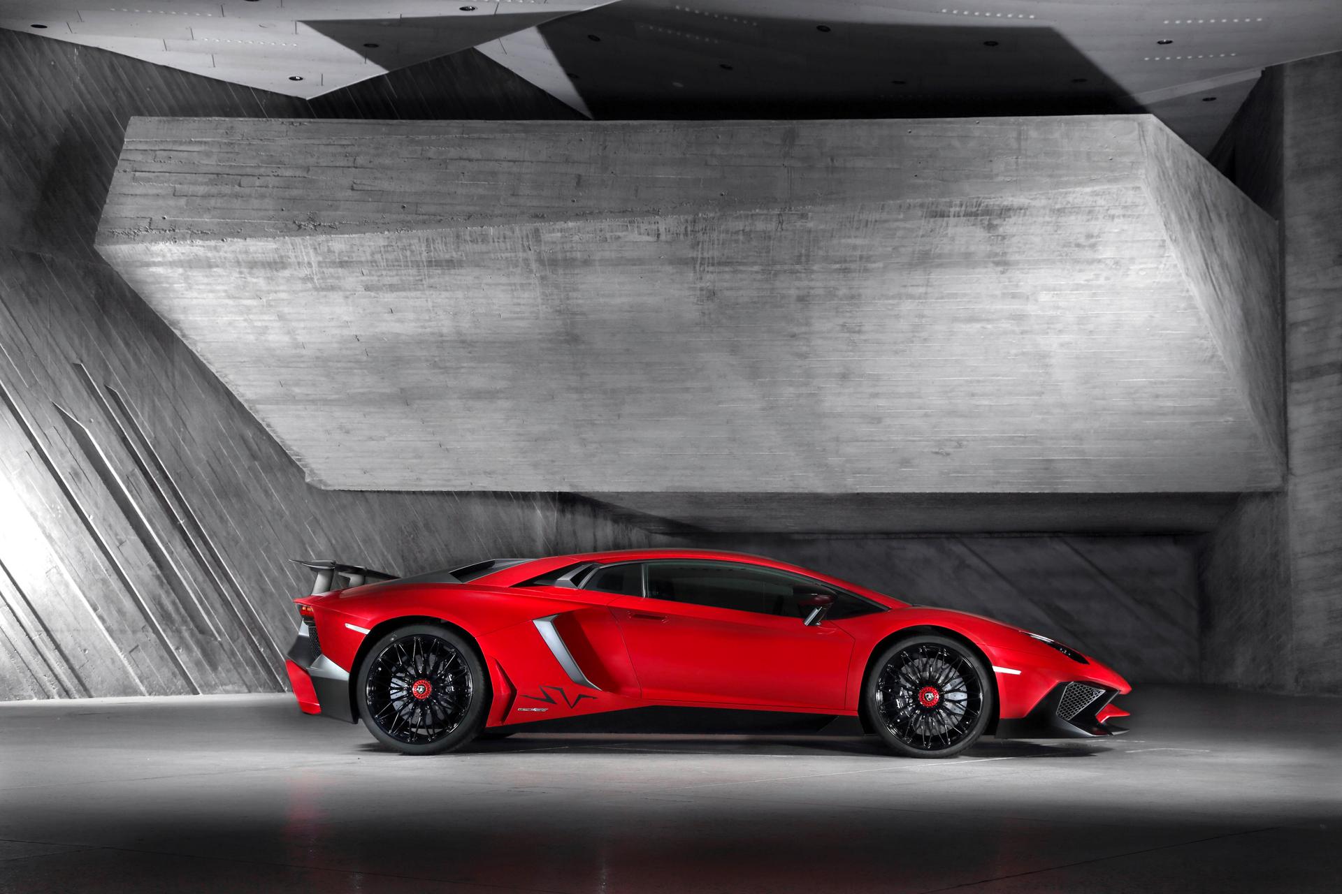 Lamborghini LP750-4 Superveloce - profil