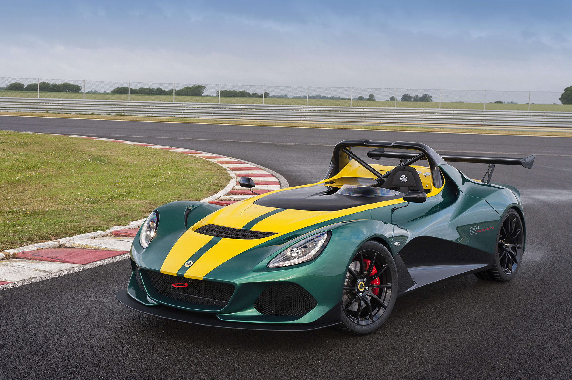 Lotus Cars 3-Eleven - profil avant / front side-face