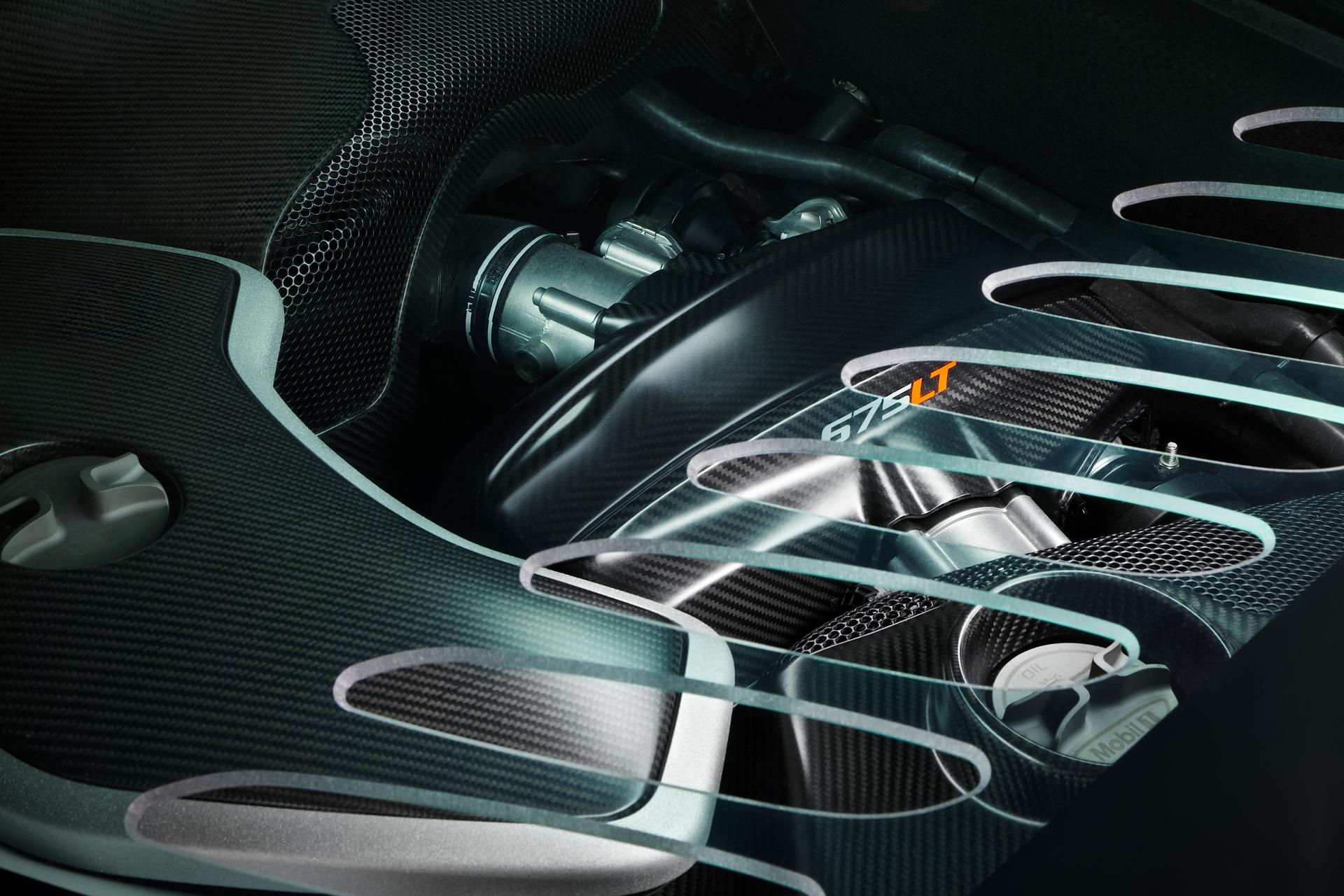 McLaren 675LT - vitre moteur