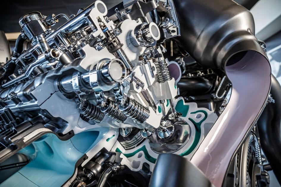 Moteur V8 4.0 litres biturbo - in engine- Mercedes-Benz AMG