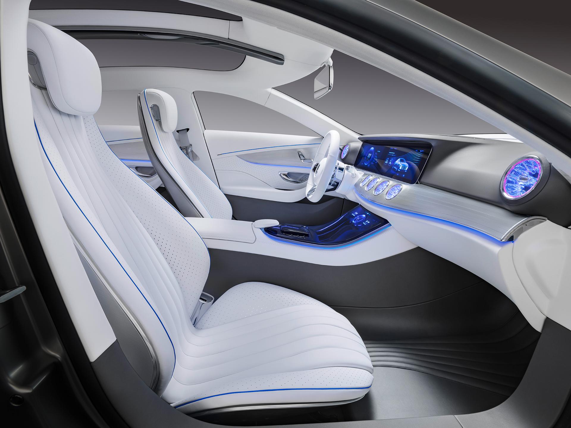 Mercedes-Benz Concept IAA - interior / intérieur