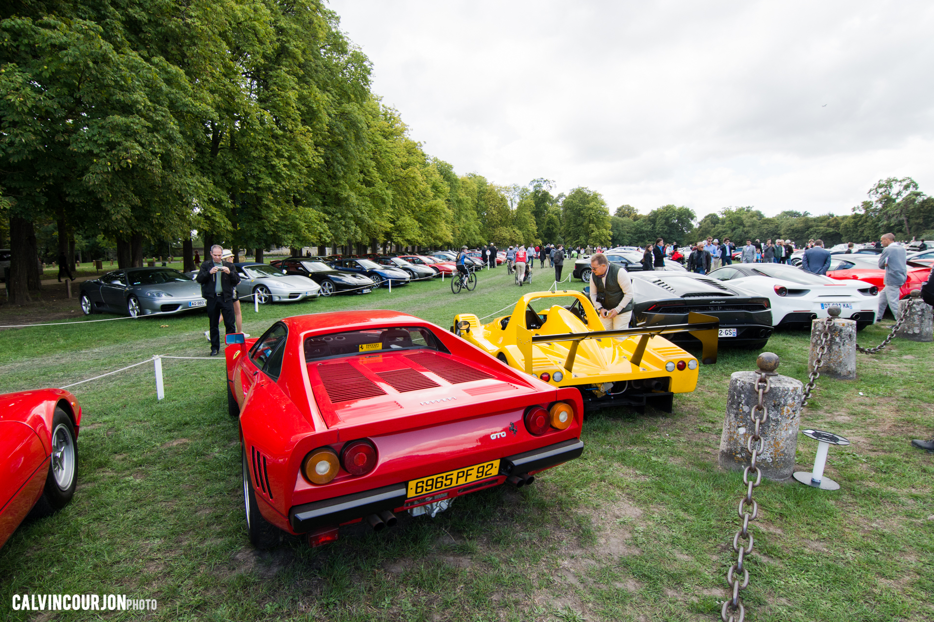 parking Ferrari - Chantilly 2015 – photo Calvin Courjon