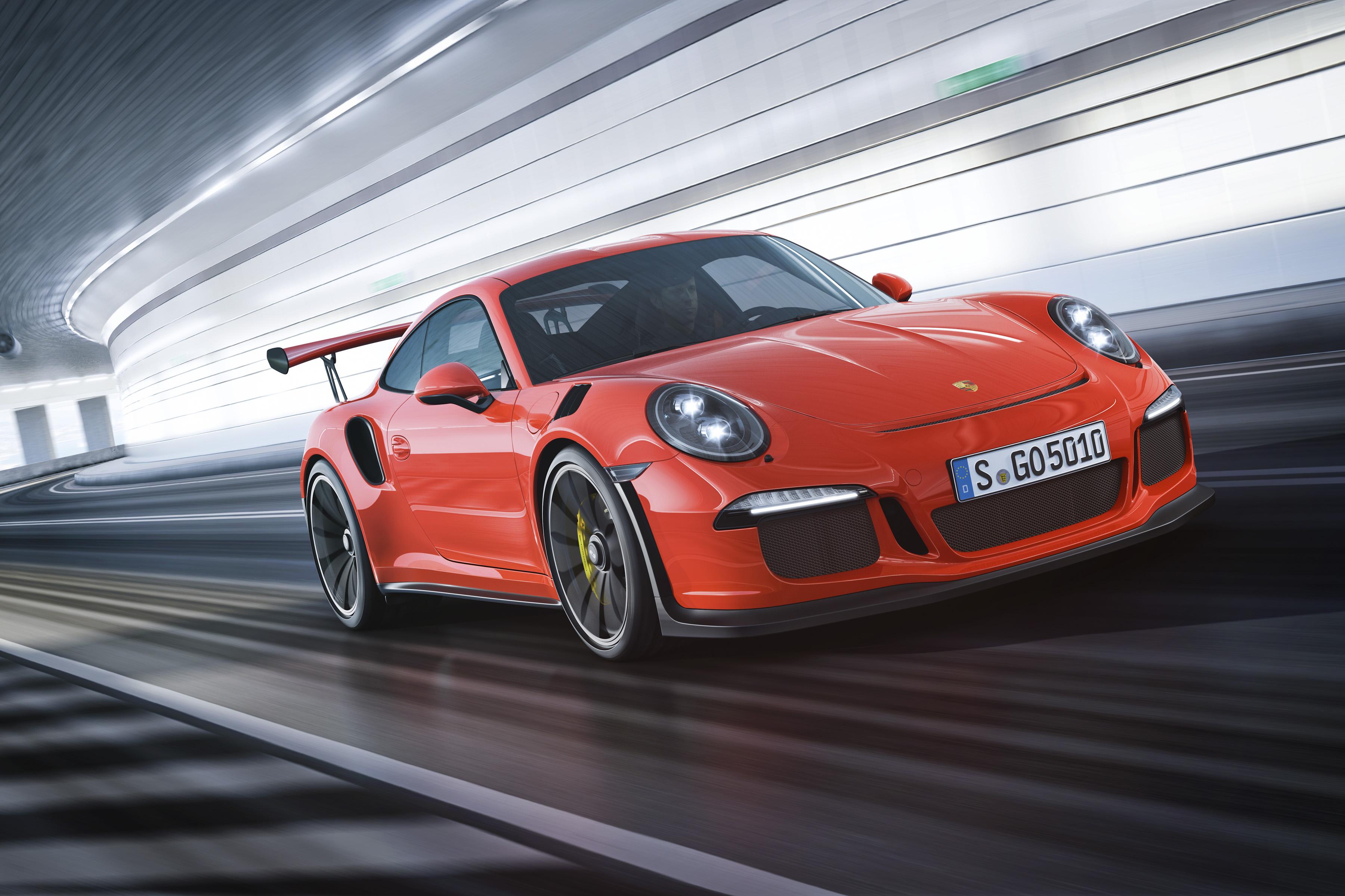 Porsche 911 GT3 RS - profil avant en course