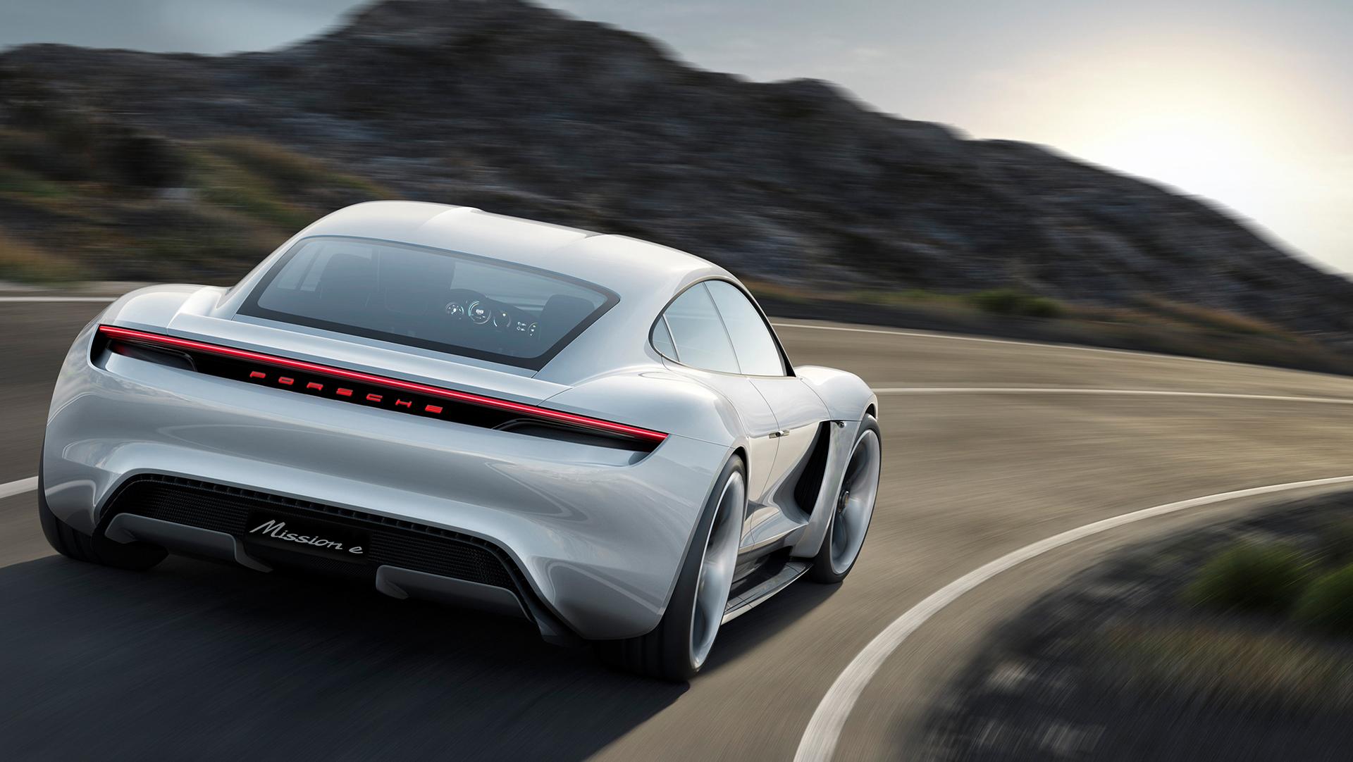 Porsche Mission E concept - rear / arrière