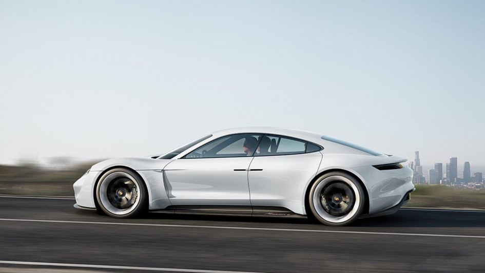 Porsche Mission E concept - side-face / profil