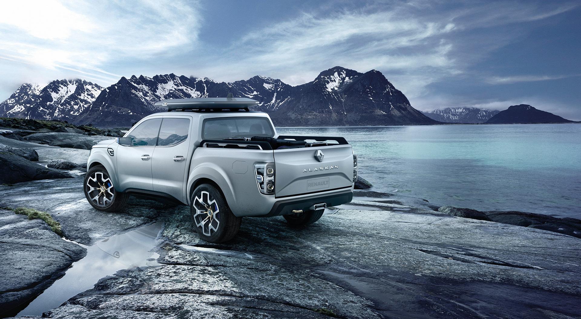 Renault Alaskan - rear / arrière