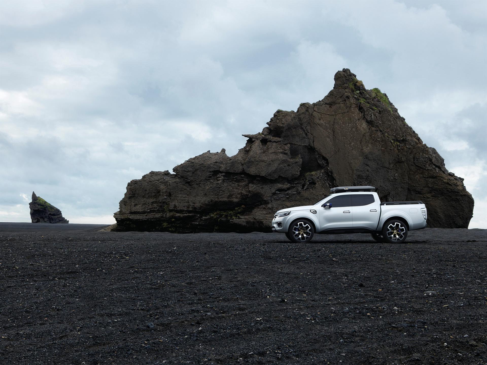 Renault Alaskan - side-face / profil