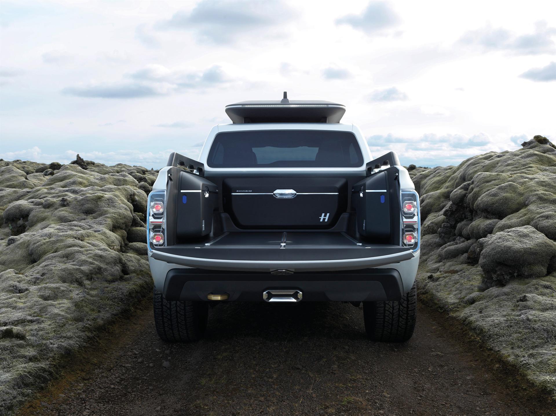 Renault Alaskan - rear / transport arrière
