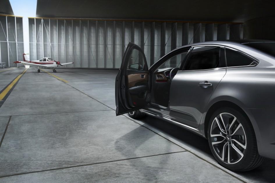 Renault Talisman - 2015 - porte ouverte / open door