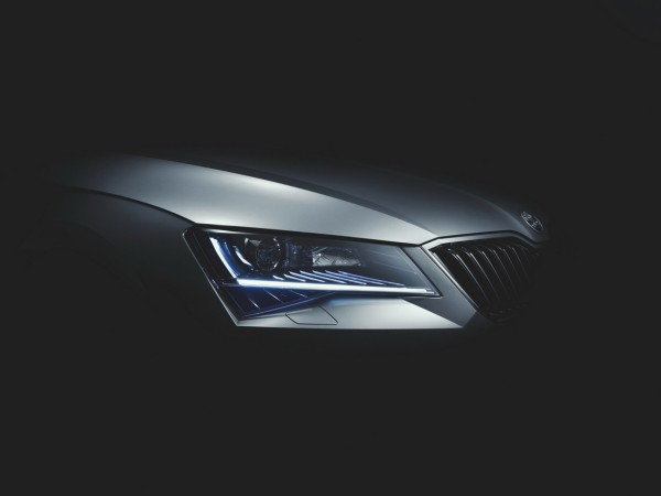 Škoda Superb 2015 - design optique avant
