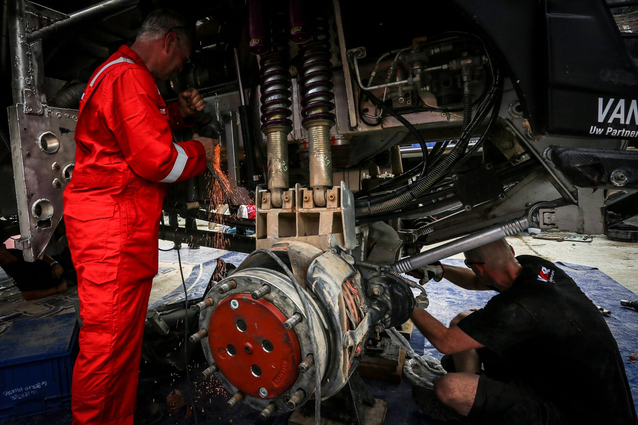 team work - Dakar 2016 - photo by A Lavadinho - A Vialatte