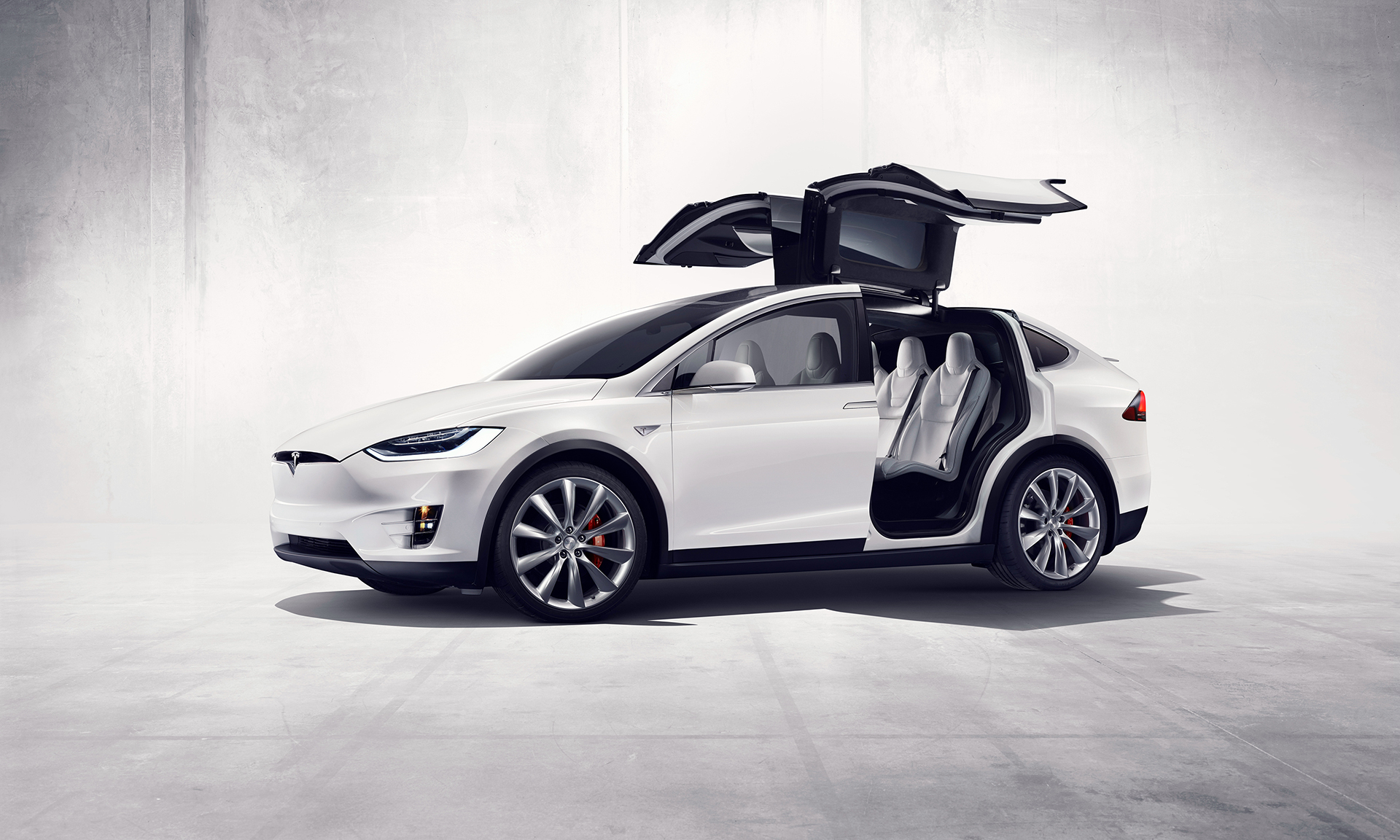 Tesla Model X - Falcon Wings